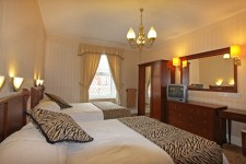 HotelRoom5